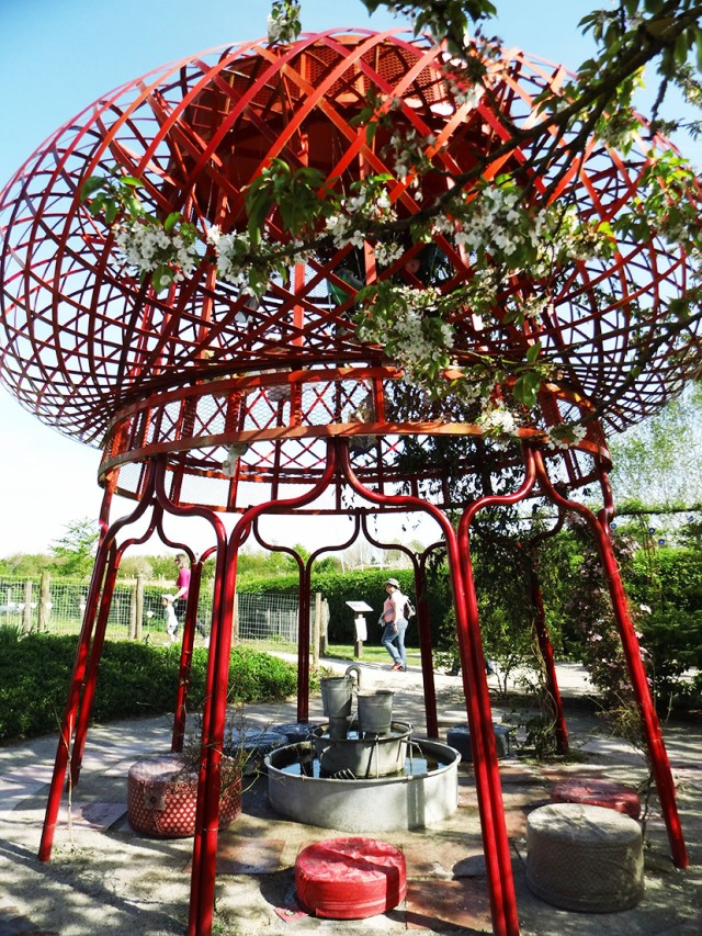 sculpture-rouge