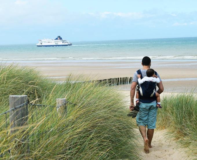 papa-et-lina-dune-et-bateau