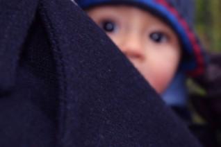 camil en porte bébé à paris 2017